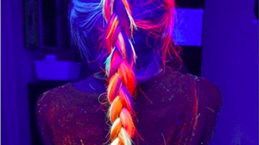 enhanced 24197 1453051993 1 364x205 - OMG, Yes, You Can Totally Make Your Hair Glow-In-The-Dark Now